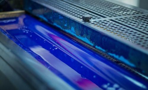 Image of a reservoir of blue ink